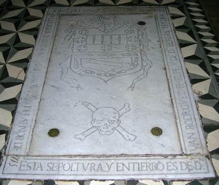 tumba de Amaro.jpg